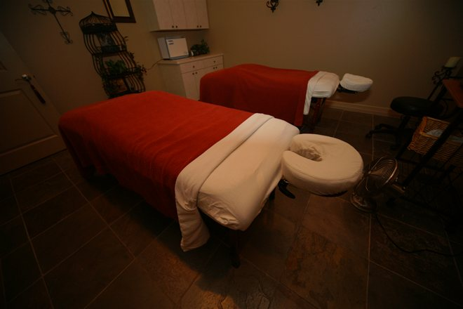 Massage Tables for Couples at Houston Day Spa